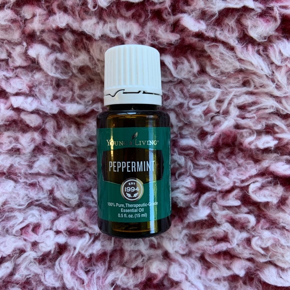 Brand new Peppermint Young Living 0.5oz oil